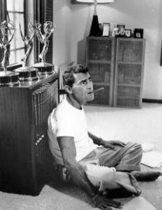 Rod_Serling_relaxing_at_home_1959